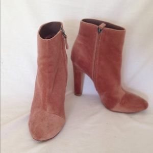 Shoes - Joie boots